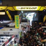 東京オートサロン2017 ダンロップの新製品に驚き関心する