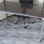 新たな机と椅子の組み立てに没頭し タイヤの日 を忘れていた・・