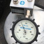 給油後に空気圧チェック。だるまで簡単に充填出来ます!